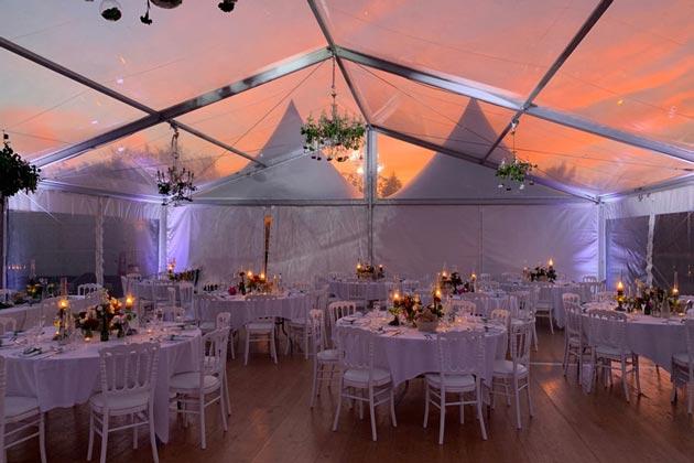 décoration de salle lors d'un mariage en Bourgogne